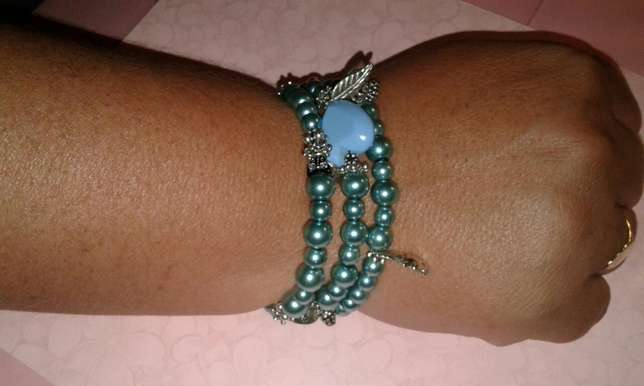 Assorted memory wire bracelets Available phone nd get urs now Alberton - image 1