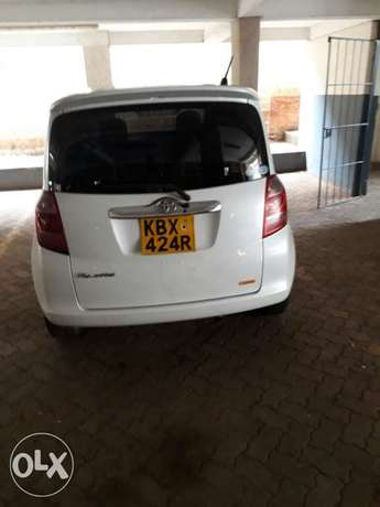 A very clean and well maintained Toyota tactics for sale Nairobi CBD - image 3