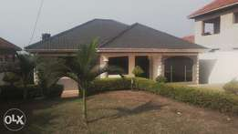 A crib 3bedrooms house for sale in kira at 240m