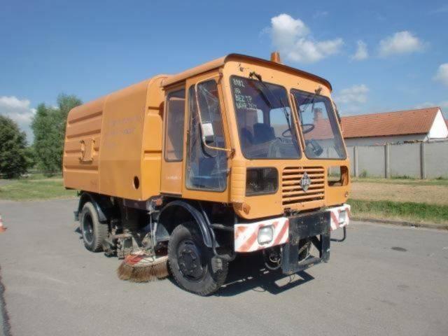 IFA (ID8982) road sweeper - 2000