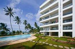 ID (9807) ELEGANTLY built 3 bdrm beachfront furnished apartmnt