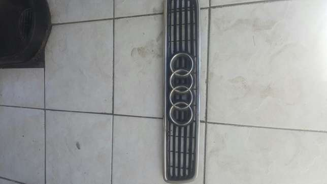 Audi A4 B5 front grill for sale Soweto - image 1