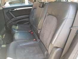 Seats & Radio For sale on a Q7