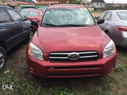 Tokunbo 2006/07 , Toyota RAV4 With 4 Cylinder Engine