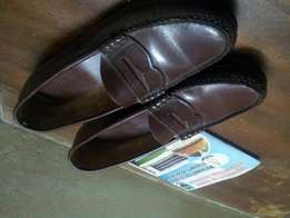 Quality classic leather sole shoe for sale.