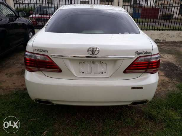 Toyota crown royal saloon fresh import new plate number Mombasa Island - image 3
