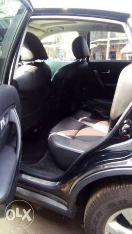 Neat Tokunbo Infiniti FX 35 Tincan Cleared Port Harcourt - image 6