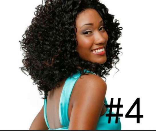 Wavy and Curly heat resistance wigs Lagos Mainland - image 4