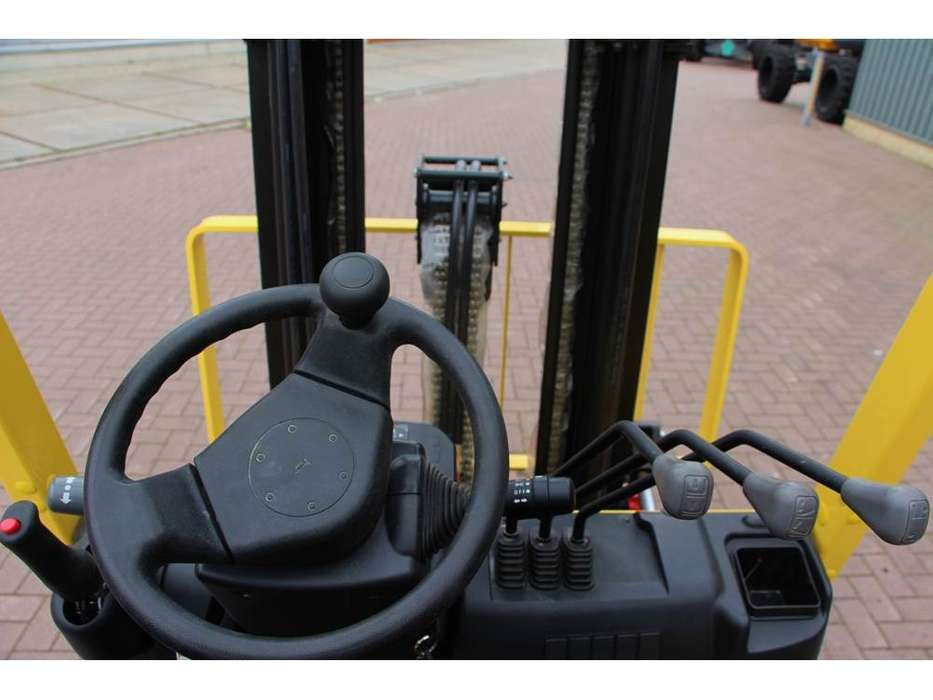 Hyster H3.0XT - 2017 - image 13