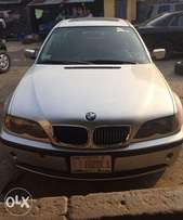 Toks 03 BMW 325i Series Located at Yaba ( All things working Pefectly)