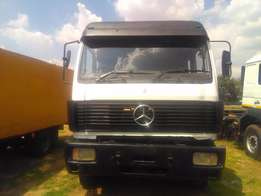 Mercedes-Benz V-Series 1735