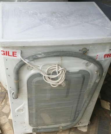 LG 5kg Direct Drive washing machine Lagos Mainland - image 3