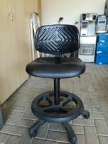 Technician robust chair with wheels