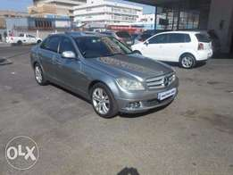 looking for a mercedes Benz c200