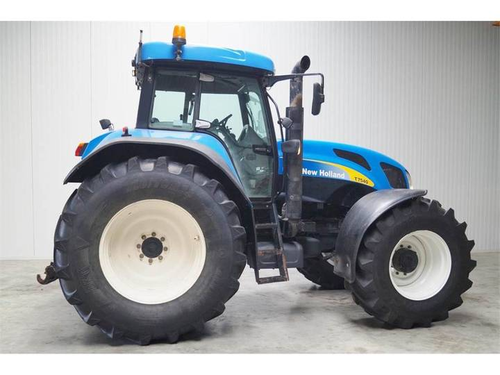 New Holland NH T7540 - 2007 - image 2