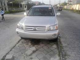 Just Arrived Toyota highlander 4 sale in lekki for 3.9m Negotiable