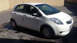 1.4 White Toyota Yaris for Sale