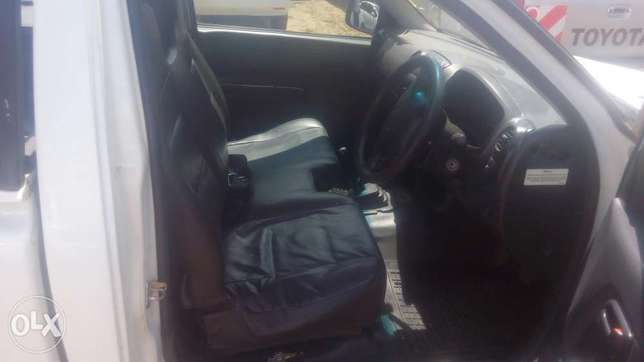 Isuzu Dmax local for quick sale Thika - image 4