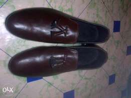 brown leather loafer shoe