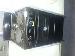 Defy electric stove 3 plate new condition
