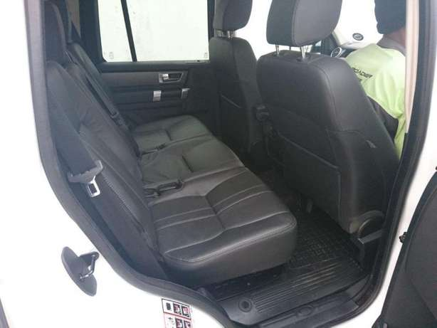 2011 Land Rover Discovery 4 Sdv6 R399 995 Durban - image 6