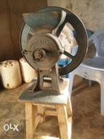 Atlas grinding mill