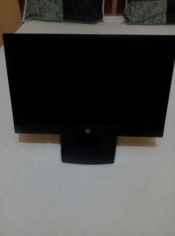 "19"" HP and Dell TFT monitors Fedha - image 2"