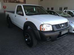 Nissan NP 300 2.4 4x4 S/Cab