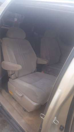 Extremely Neat Toyota sienna Agege - image 3