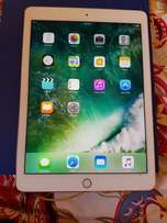 Ipad pro 32gb gold very clean
