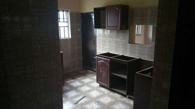 Newly built 3 bedrooms apartment close to A3 hotel Ibadan South West - image 7