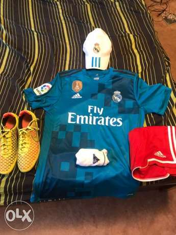 cheap bundle Football sport wear real madrid jersey NEGOTIABLE Riyadh - image 1