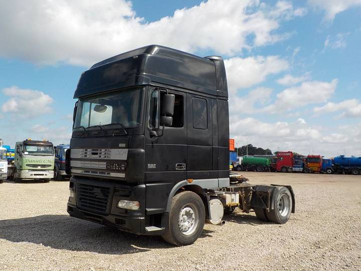 DAF 95 XF 430 Super Space Cab (MANUAL GEARBOX / PERFECT CONDI... - 2004