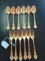 Set of 12 23ct gold plated forks and teaspoons (p3271/53)