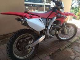 Honda CRF 250 X . stripping for parts