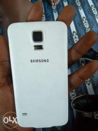 Very neat clean Samsung galaxy s5 for sale Port Harcourt - image 6