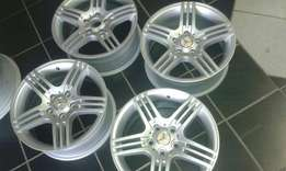 "Set of 16"" mercedez benz mags"