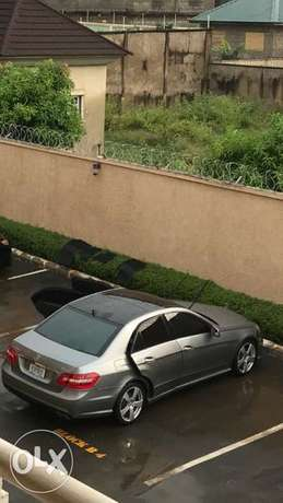 Mercedes Benz E350 4Matic Abuja - image 6