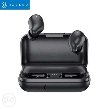 Haylou T15 Touch Control True Wireless Earhones Battery Level Display