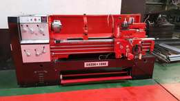 Center lathe . New .