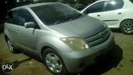 Hi selling Toyota Ist clean just & drive car