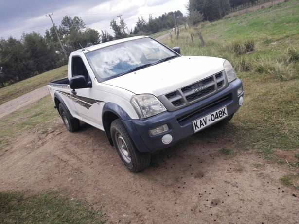 Quick sale! Isuzu dmax pickup KAV with turbo available at 1m asking! Naivasha - image 1