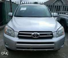 2008/09 Tokunbo Toyota RAV 4, with Bluetooth, Low Mileage