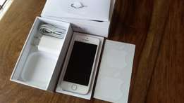 Spotless White iPhone 5(S)