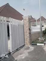 5bedroom detached bungalow with 2unit of self contain for sale