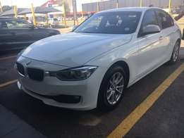 2013 BMW 316i with sunroof and zenons