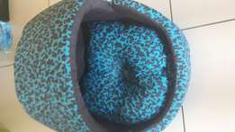 Pet beds with cap and without cap.