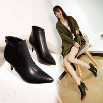 Lady's Pointed Martin Boots.
