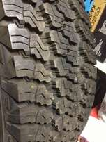 Goodyear Wrangler 255/ 75/ 17 jeep