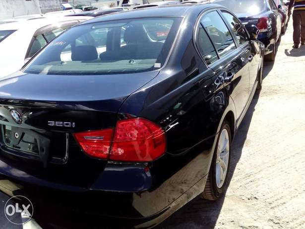 Bmw 320I fresh import new plate number fully loaded with alloy wheels Mombasa Island - image 2
